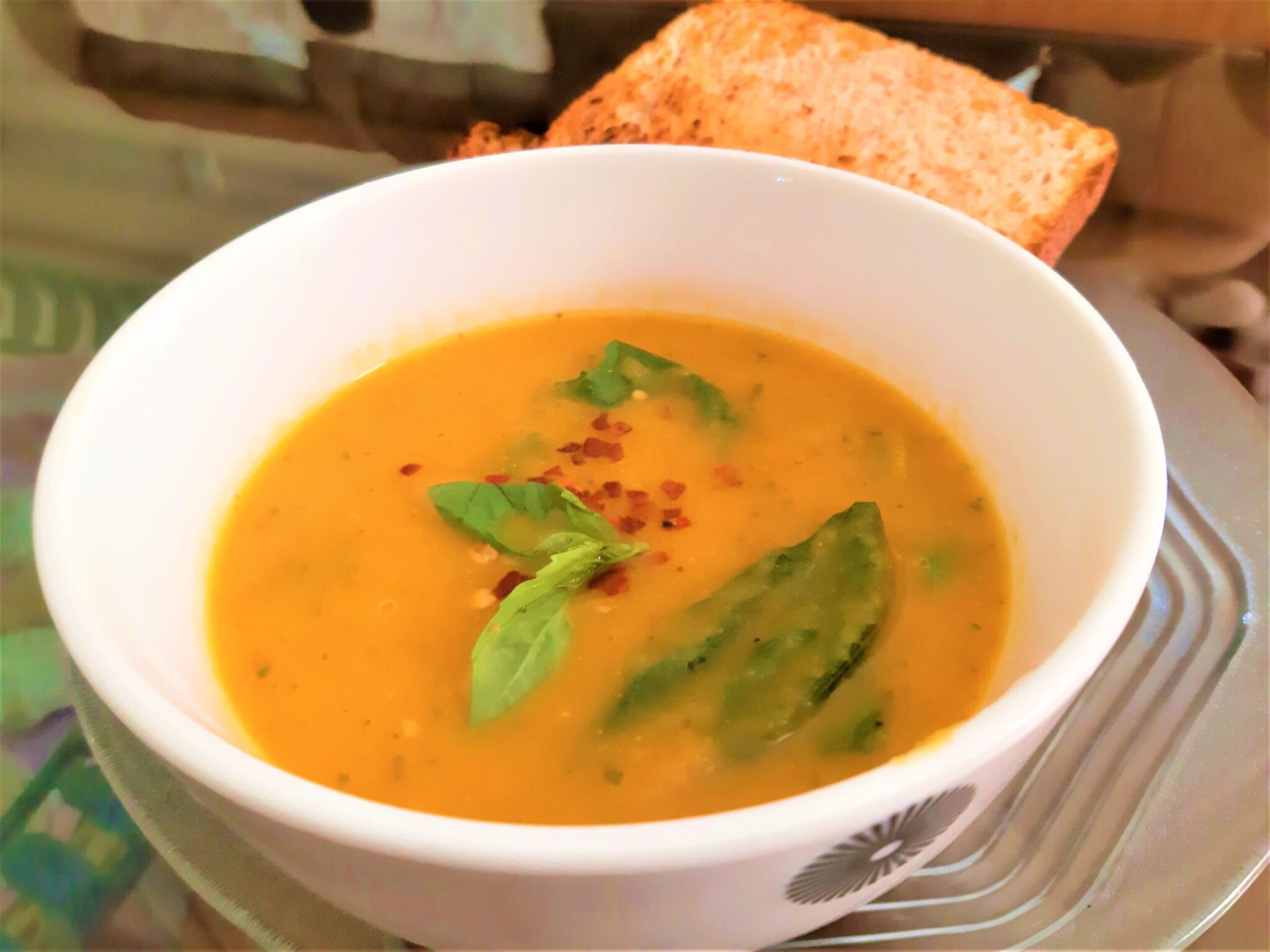 Vegan Creamy but Spicy Carrot, Tomato & Basil Soup